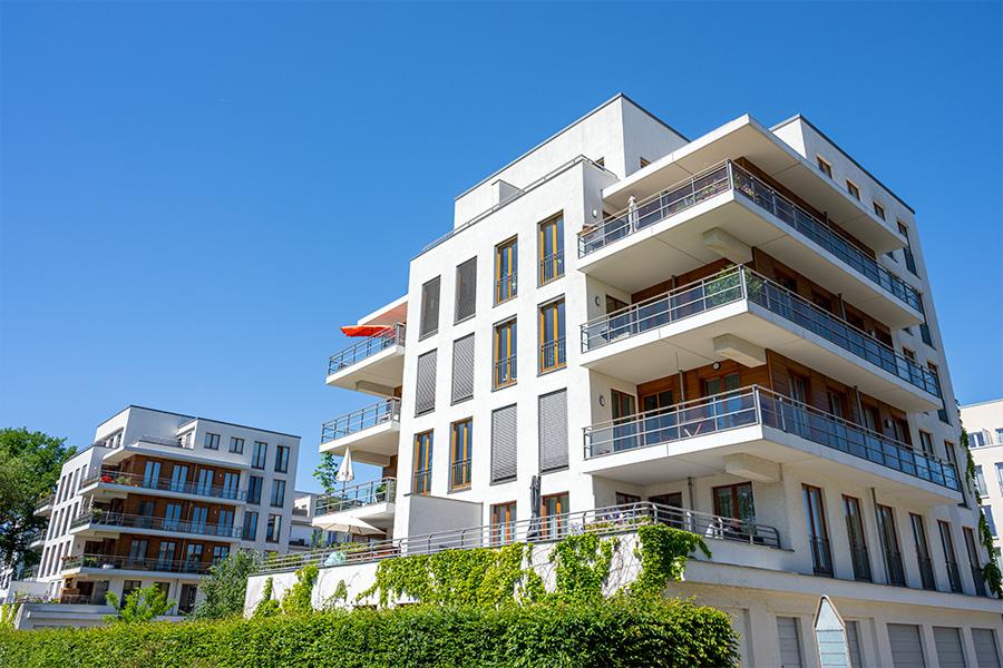 Wir handeln und betreuen Wohn- und Geschäftsimmobilien. Etagenwohnungen, Einfamilienhäuser